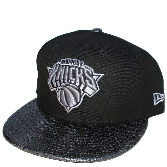 New Black Silver New York Knicks NBA Hat New Era 7b73c47390e
